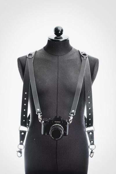 harnais cuir noir photographe